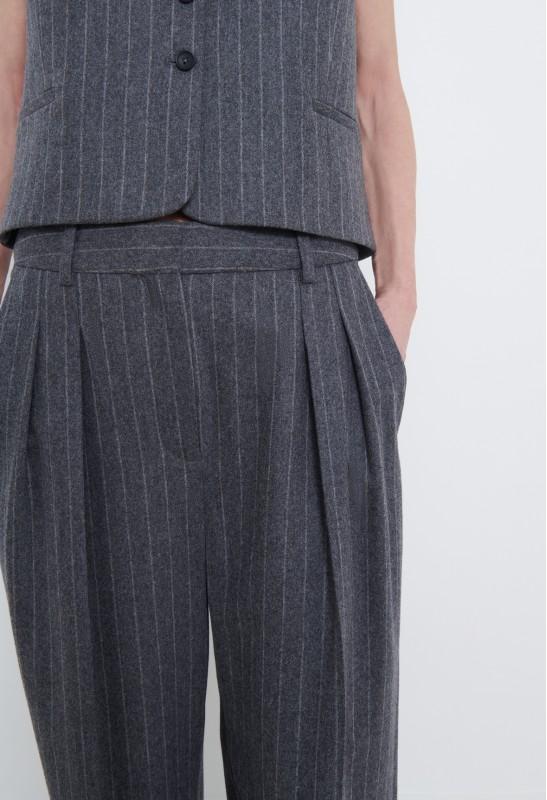 SERAFINI Cashmere V-neck Sweater